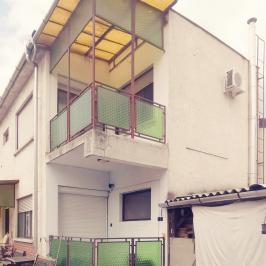 Eladó  családi ház (<span class='notranslate'>Budapest, XV.  </span>kerület) 49,9 M   <span class='notranslate'>Ft</span>