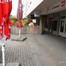 Kiadó  üzlet (Budapest, III. kerület) 200 E  Ft/hó