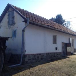 Eladó  családi ház (Vécs) 2,9 M  Ft