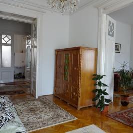 Eladó  téglalakás (Budapest, VI. kerület) 80 M  Ft