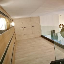 Eladó  téglalakás (Budapest, V. kerület) 79,9 M  Ft