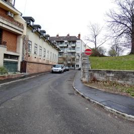 Eladó  téglalakás (Budapest, I. kerület) 68,9 M  Ft