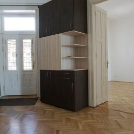 Eladó  téglalakás (Budapest, II. kerület) 93,9 M  Ft