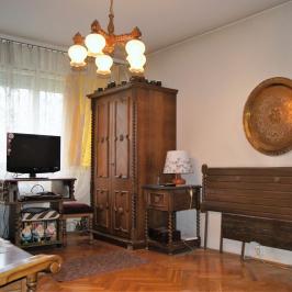 Eladó  panellakás (Budapest, III. kerület) 32,95 M  Ft