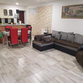 Eladó  családi ház (Perkáta) 23,5 M  Ft