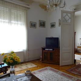 Eladó  téglalakás (Budapest, VI. kerület) 77,5 M  Ft