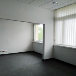 Kiadó  iroda (Eger, Belváros) 2,8 E  Ft/hó