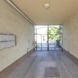 Eladó  téglalakás (Orosháza, Belváros) 13,9 M  Ft