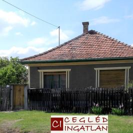 Eladó  családi ház (Cegléd) 10,8 M  Ft