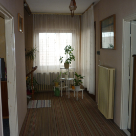 Eladó  családi ház (Szentlőrinckáta) 18,9 M  Ft