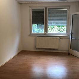 Eladó  panellakás (Budapest, XIV. kerület) 32,9 M  Ft