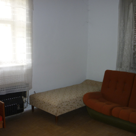 Eladó  családi ház (Szentlőrinckáta) 4,9 M  Ft