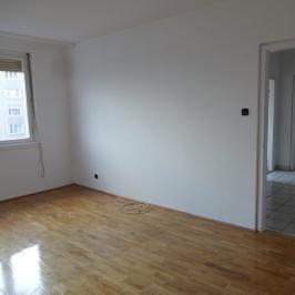 Eladó  panellakás (Budapest, IV. kerület) 29,99 M  Ft