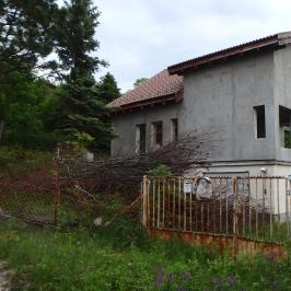 Eladó  családi ház (<span class='notranslate'>Szentendre</span>, <span class='notranslate'>Sztaravoda</span>) 40 M   <span class='notranslate'>Ft</span>