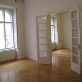Kiadó  téglalakás (<span class='notranslate'>Budapest, V.  </span>kerület) 390 E   <span class='notranslate'>Ft</span>/hó