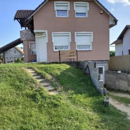 Eladó  családi ház (Tápiószecső) 27,9 M  Ft