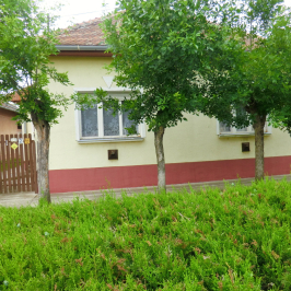 Eladó  családi ház (Mezőtúr) 10,7 M  Ft