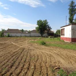Eladó  telek (Nyíregyháza, Oros) 14 M  Ft
