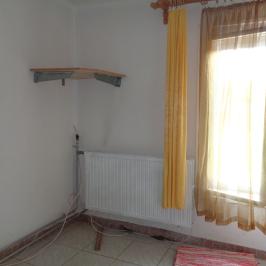 Eladó  családi ház (Nyíregyháza, Sóstógyógyfürdő) 30 M  Ft