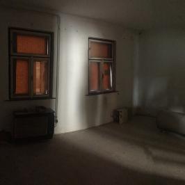 Eladó  családi ház (Vác, Burgundia) 35,5 M  Ft
