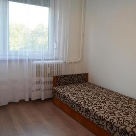 Kiadó  panellakás (Debrecen, Fényesudvar) 120 E  Ft/hó