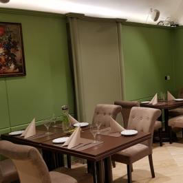 Kiadó  melegkonyhás vendéglátóegység (Budapest, V. kerület) 1,6 M  Ft/hó