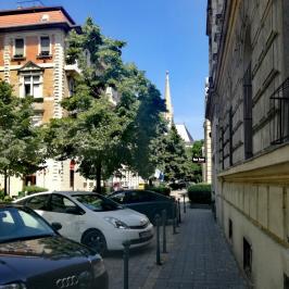 Eladó  téglalakás (Budapest, VII. kerület) 49,9 M  Ft