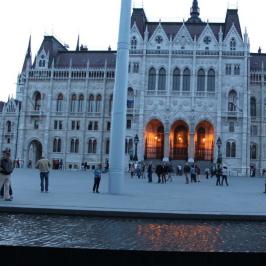Eladó  melegkonyhás vendéglátóegység (<span class='notranslate'>Budapest, V.  </span>kerület) 33 M   <span class='notranslate'>Ft</span>
