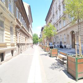 Eladó  téglalakás (<span class='notranslate'>Budapest, VII.  </span>kerület) 59,9 M   <span class='notranslate'>Ft</span>