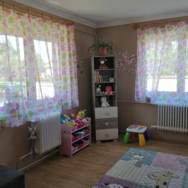 Eladó  családi ház (Tököl, Pesti úti lakótelep) 36,9 M  Ft