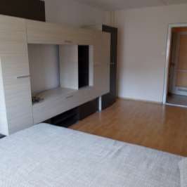 Eladó  panellakás (Budapest, III. kerület) 34,9 M  Ft