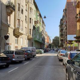 Eladó  üzlethelyiség utcai bejáratos (<span class='notranslate'>Budapest, XIII.  </span>kerület) 179 M   <span class='notranslate'>Ft</span>
