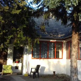 Eladó  családi ház (Apostag) 8,9 M  Ft