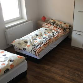Kiadó  családi ház (Békéscsaba) 350 E  Ft/hó