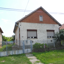 Eladó  családi ház (Rakamaz) 6,5 M  Ft