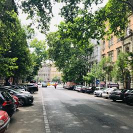 Eladó  téglalakás (Budapest, VI. kerület) 65,9 M  Ft