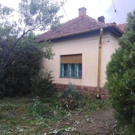 Eladó  családi ház (Kondoros) 5,7 M  Ft