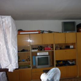 Eladó  családi ház (Szentlőrinckáta) 6,9 M  Ft