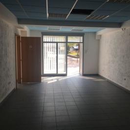 Kiadó  üzlethelyiség utcai bejáratos (Békéscsaba, Békéscsaba-Belváros) 280 E  Ft/hó