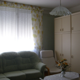 Eladó  téglalakás (Nyíregyháza, Belváros közeli) 18,4 M  Ft