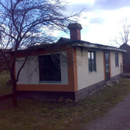 Eladó  családi ház (Apostag) 39,9 M  Ft