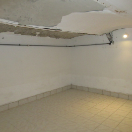 Eladó  raktár (Budapest, VII. kerület) 15,7 M  Ft