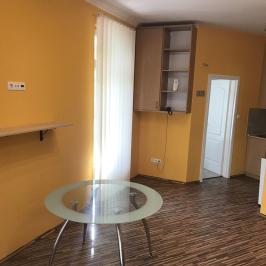 Eladó  iroda földszinti, utcai (Budapest, XIV. kerület) 28,9 M  Ft