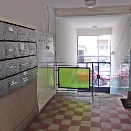 Eladó  téglalakás (Budapest, III. kerület) 43,9 M  Ft