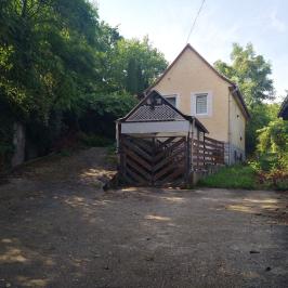 Eladó  nyaraló (Eger, Szépasszonyvölgy) 20 M  Ft