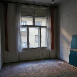 Eladó  téglalakás (<span class='notranslate'>Budapest, XIII.  </span>kerület) 84,9 M   <span class='notranslate'>Ft</span>