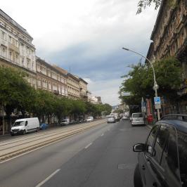 Eladó  téglalakás (<span class='notranslate'>Budapest, VI.  </span>kerület) 194 M   <span class='notranslate'>Ft</span>