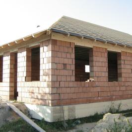 Eladó  családi ház (Halásztelek) 42,5 M  Ft
