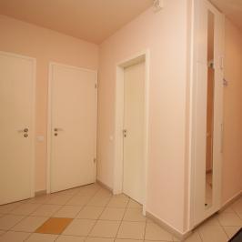 Eladó  téglalakás (Budapest, III. kerület) 99 M  Ft