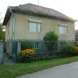 Eladó  családi ház (Hevesaranyos) 3,9 M  Ft